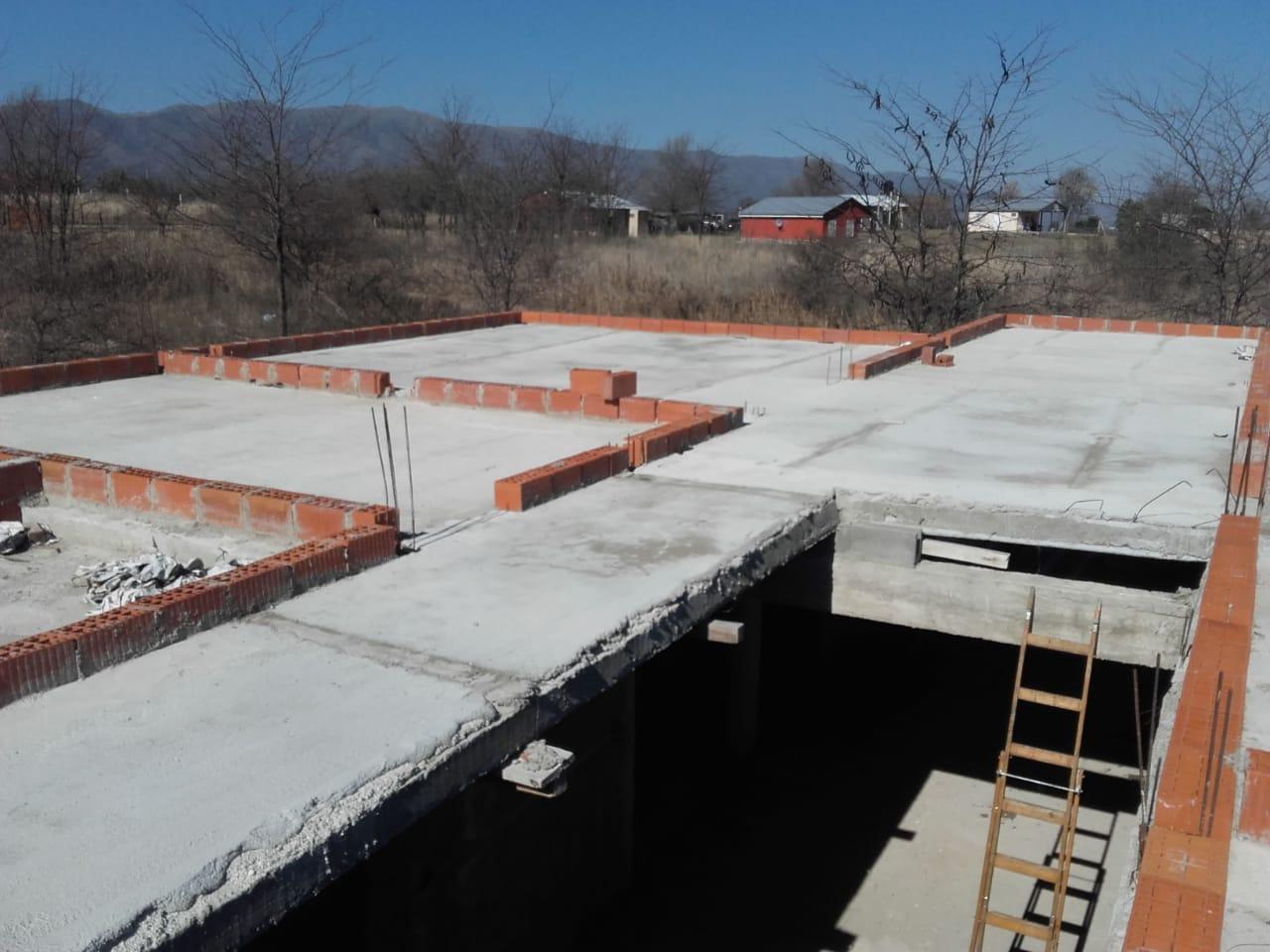 VCA228 COSQUÍN CASA EN CONSTRUCCIÓN