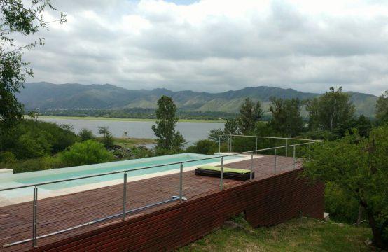 ATC003 – Impresionante Casa en Siquiman