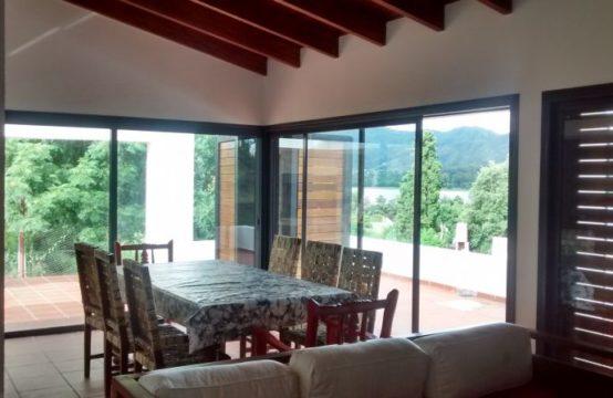 VCA160… Increíble casa con vista al Lago